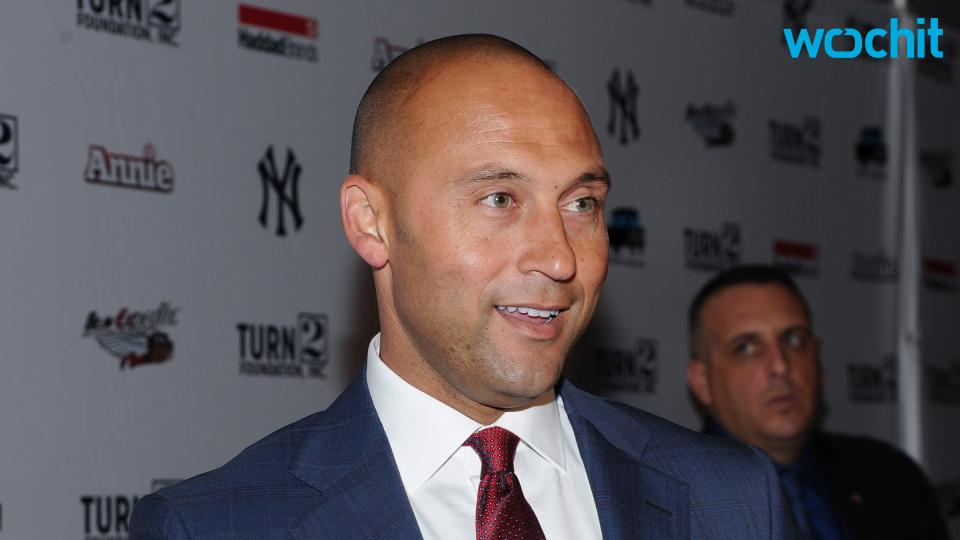 Derek Jeter Escapes East Coast Blizzard, Brings Back Ripped Jeans