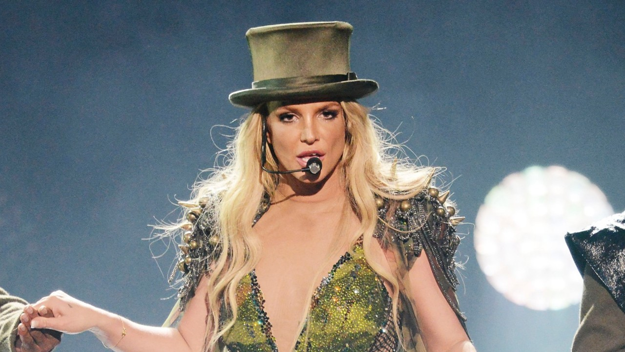 Britney Spears' Las Vegas Show Interrupted by Man Storming ... Britney Spears Las Vegas